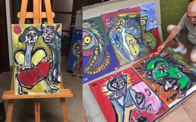 La asociación de ostomizados de Cartagena recibe un lote de obras de arte del 'Legado Aikaide'.